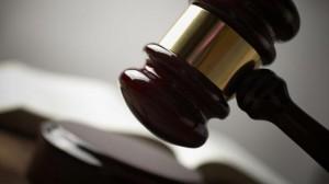 rechter-doet-uitspraak-in-eerste-digitale-rechtzaak